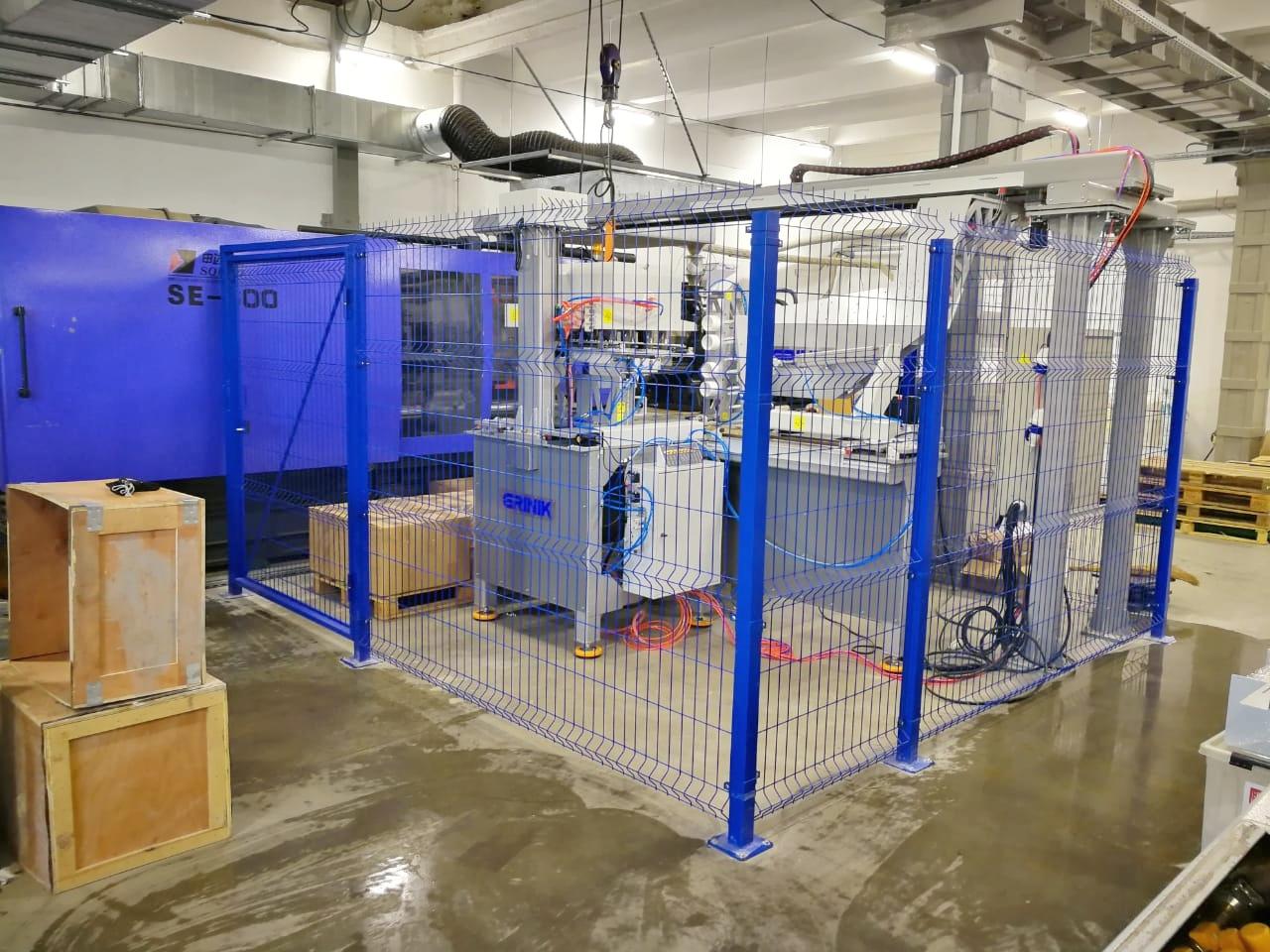 Робот GRINIK для извлечения преформ - производство пивных кег